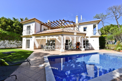 CHARMING 4 Bed Villa For Sale