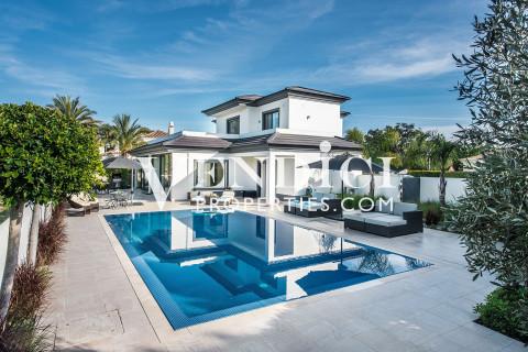 An attractively presented MODERN villa