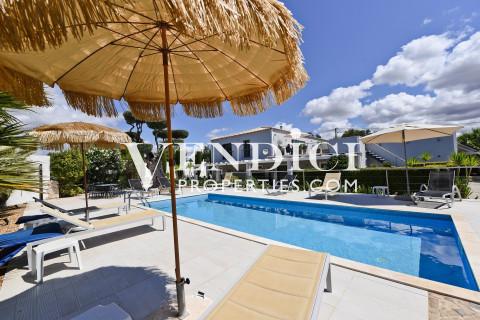 Stunning 6 Bed Villa