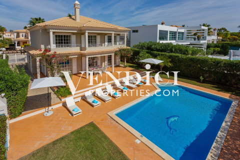 Superb 4 Bed Villa