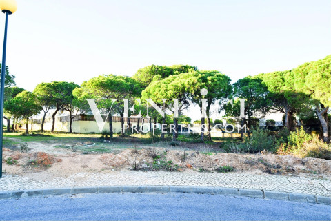 PLOT OF LAND in the area of Varandas do Lago