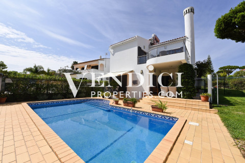Delightful 4 bed Villa For Sale