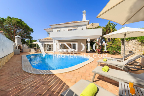 3+2 Bedroom Villa for Sale in Vale do Lobo