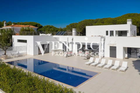 MODERN 5 bed contemporary designed villa