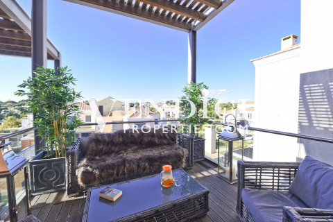 EXCLUSIVE 2 Bed Apartment For Sale