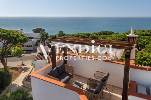 3 Bed Aldeamento For Sale