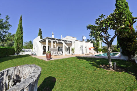 Beautiful 3 Bed Villa With 1 Bed Guest Cottage